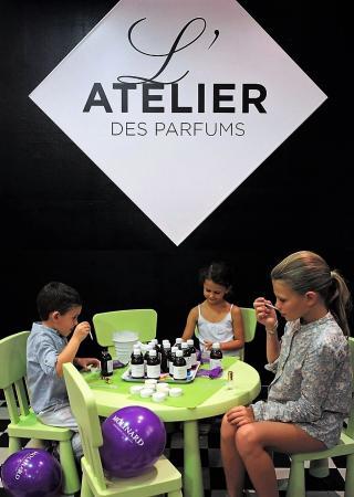 atelier-molinard-creation-parfum-enfant-famille